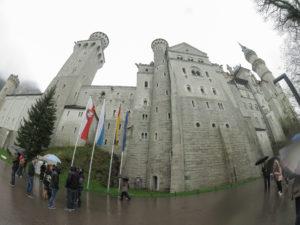 Bild zeigt Weitwinkelaufnahme vom Schloss...